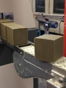 Machine à découpe de cubes
